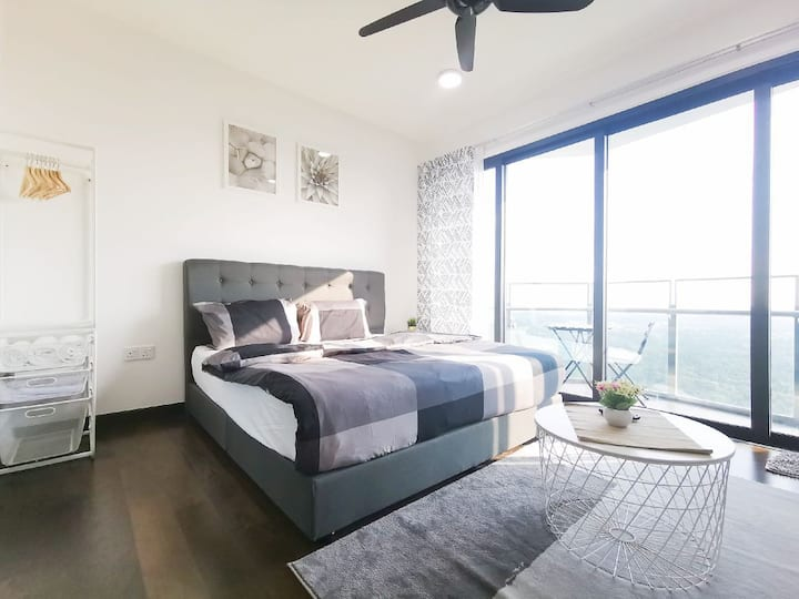 Almas Suites #2 ( WIFI) @ JB City Homestay