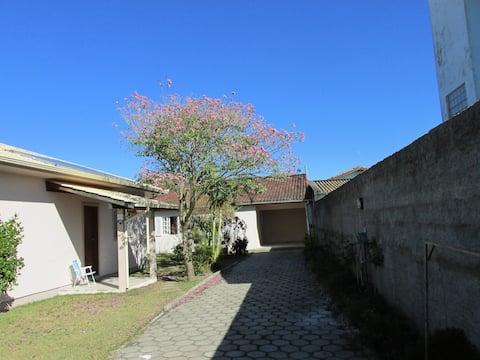 Apartamento com camas de solteiro  no Campeche