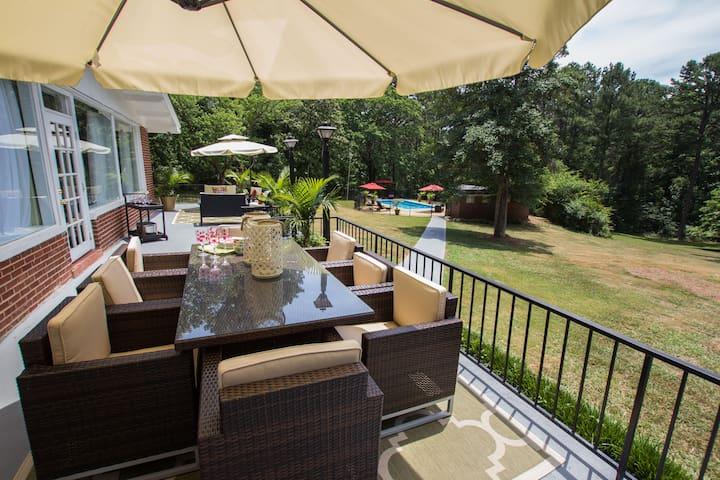 WINDY HILL-Breathe-taking  luxury estate