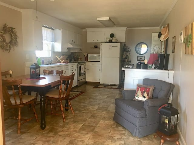 Brandon's Place-A home away from home in Goldsboro