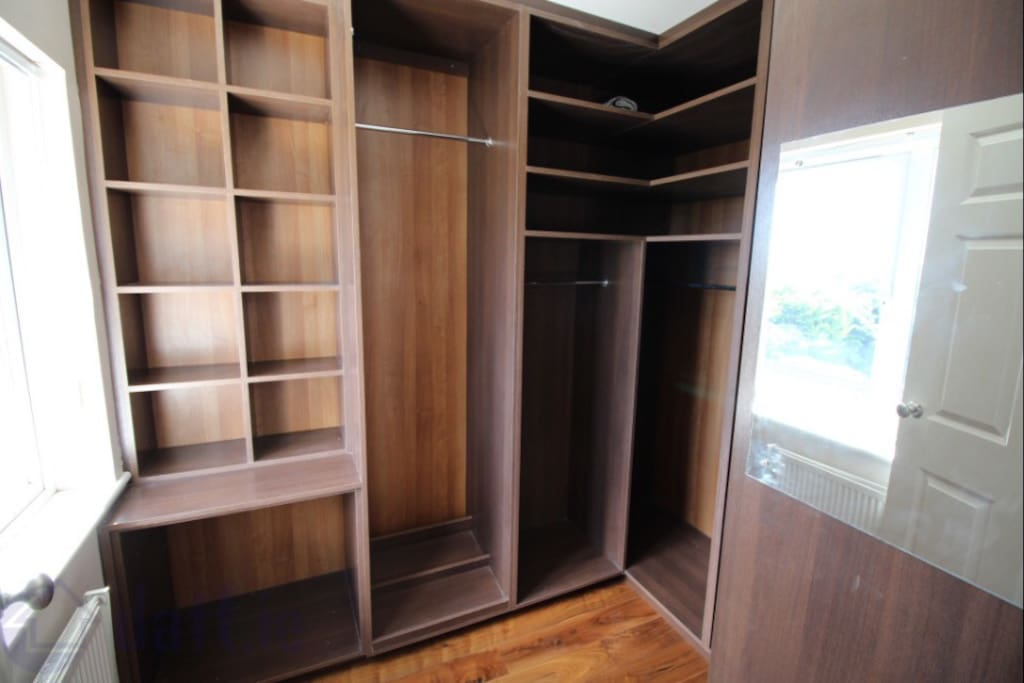 WALK IN CLOSETS IN ALL ROOMS