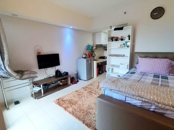 Homey Studio Apartment at Serpong Greenview