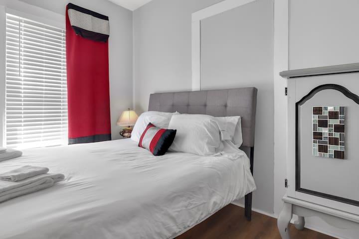 Cozy Durham Nest @ Merrick Room A