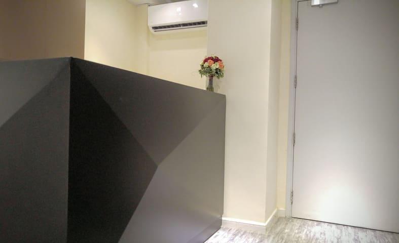 1 min MTR, budget room 2(S)