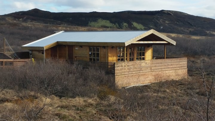 Golden Circle cabin by Kerið crater, mountain view