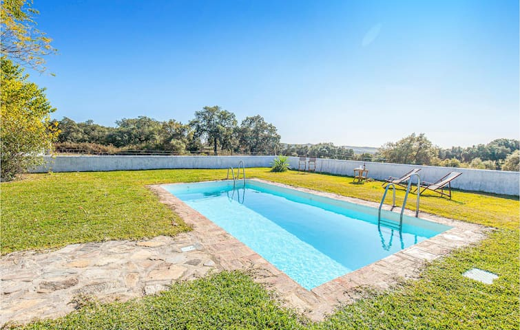 Nice home in Constantina with Outdoor swimming pool, Outdoor swimming pool and 4 Bedrooms