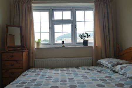 Close to Sidmouth Room with double bed