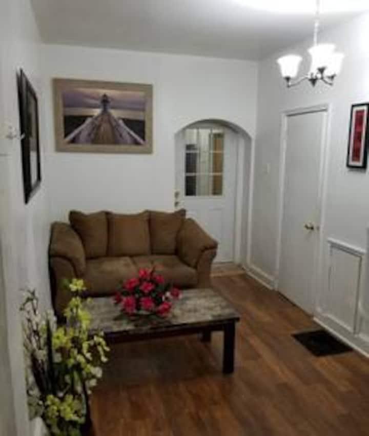 Compact/Cozy/Medium Room #7 in University City