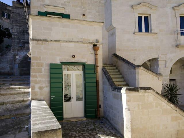 """""""Heart"""". Casa Vacanza nel Cuore dei Sassi. - Matera - Apartamento"""