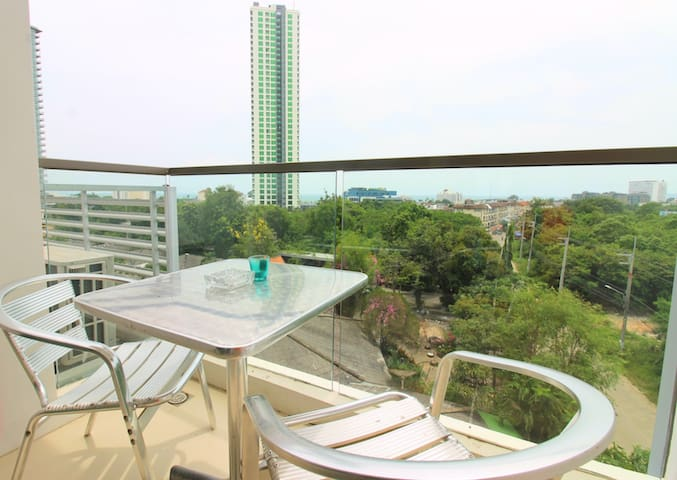 Sea view with beach and waterpark in building - Jomtien - Apartamento