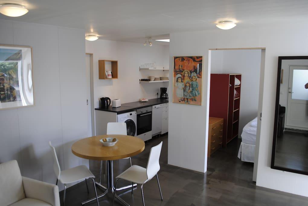 Living room, kitchen,room 2