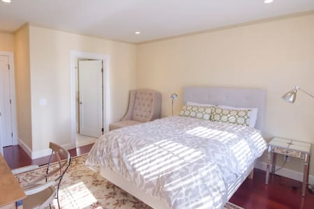 SF Love Story_2nd Floor MasterBed - San Francisco - House