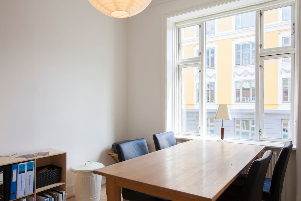 Dining room that can easily fit 8 people