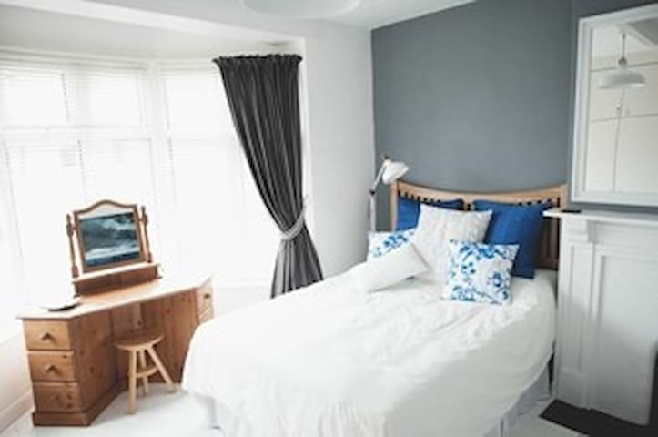 Spacious Appartment with courtyard garden - Lyme Regis - Flat