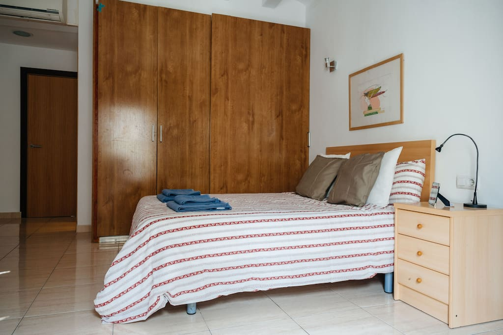 The double bed and the closet