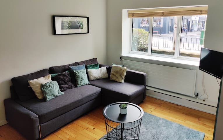 Private Room - Modern Apartment in Dublin Centre