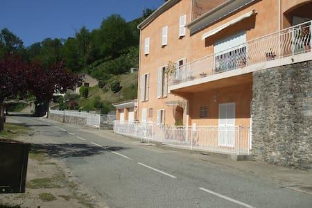 appart.dans maison de particulier - Valle-d'Alesani