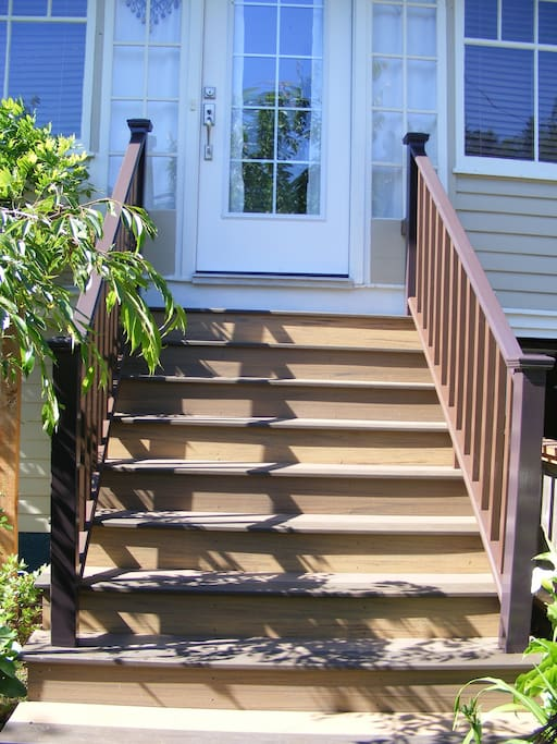 Safe, non-slip stairs to front door.