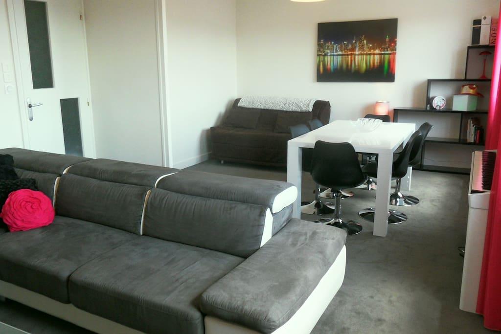 Séjour de 32 m2 avec couchage 2 places