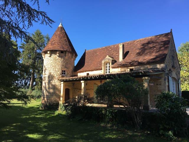 Le Petit Chateau