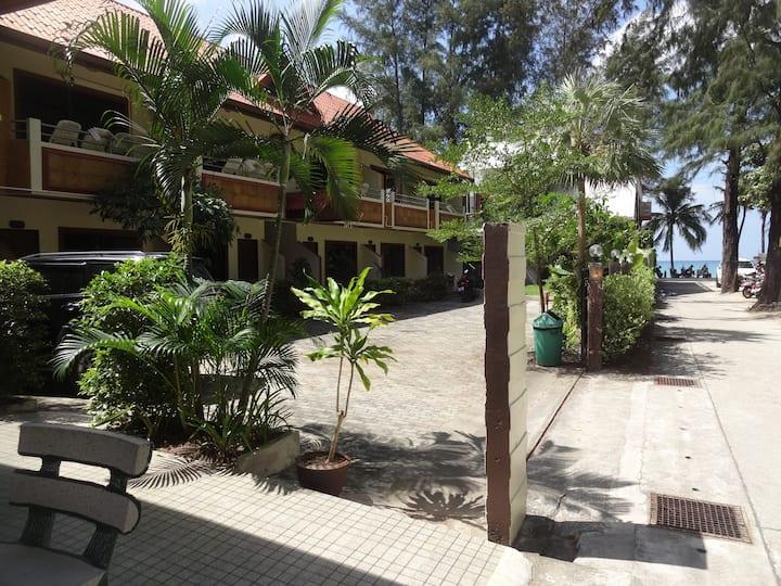 Tropical Beachside Guesthouse[B2]