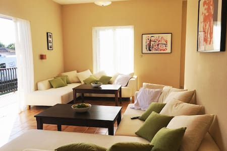 House, 2 bedrooms, living room and space on 120qm