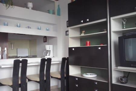 simple 1 Zi Ferienwohnung strandnah - Sierksdorf - Wohnung