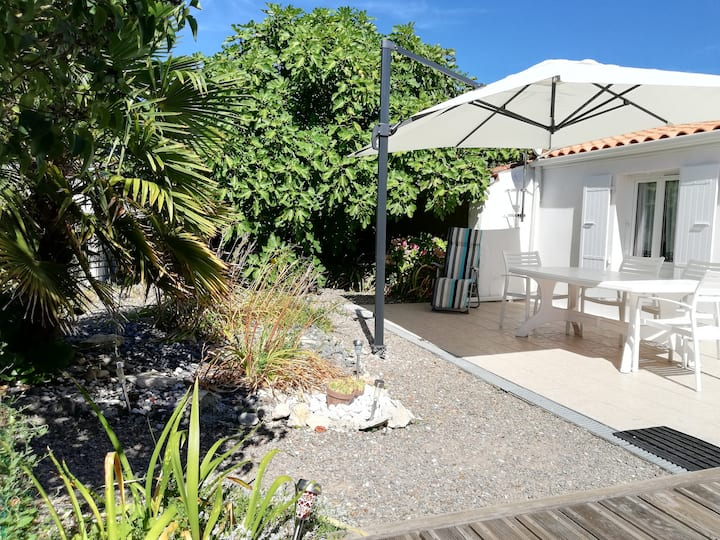 Maison individuelle avec agréable jardin clos