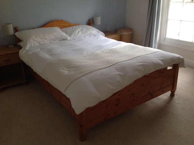 Room in Beautiful Cotswold Village - Winchcombe - Hus