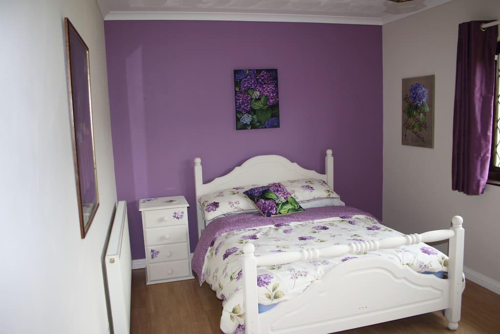 Peaceful Sunny Bedroom
