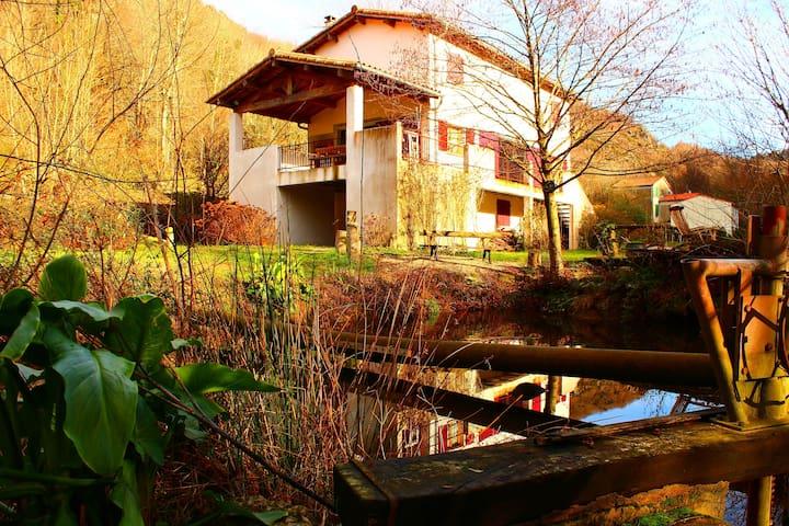 maison de caractère dans les bois - Saint-André - Huis
