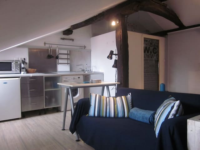 Cozy loft in Old Town - Bilbao