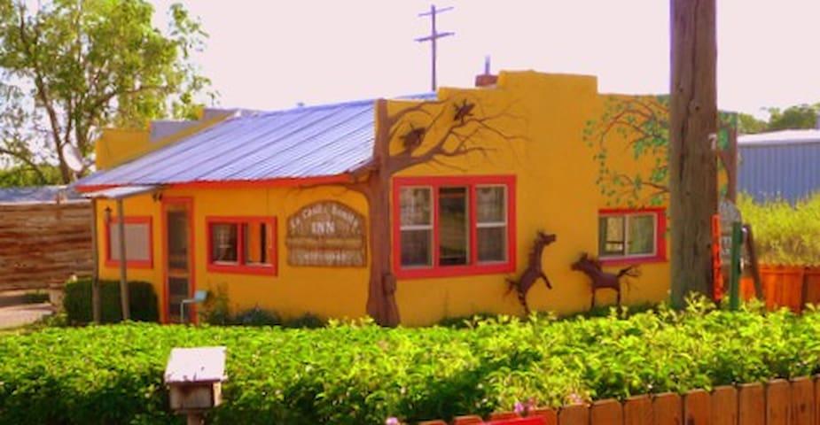 La Casita Bonita Inn in Del Norte - Del Norte - House