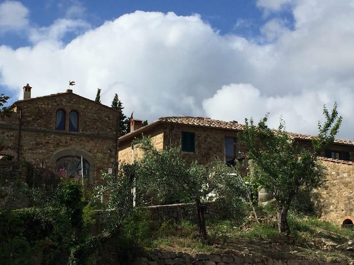 Casa Alta con vista sulle colline del Chianti