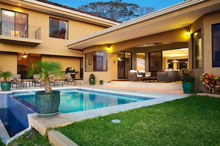 The house have breathtaking views and is a perfect place to escape, close to the beach and services. Exquisite furnished, internet wireless, TV Satelit, cleaning service daily. private pool and air conditioner in all the bedrooms and living room.