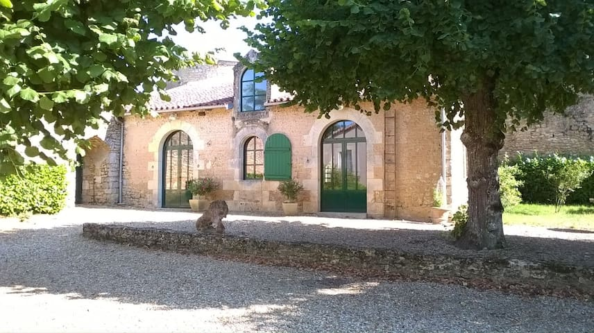 Gite cfort 4 prs Poitou/FUTUROSCOPE - Roches-Prémarie-Andillé - Huis
