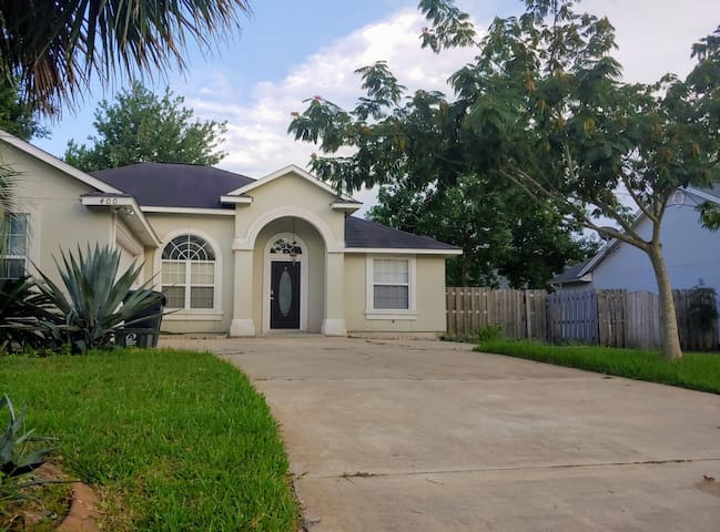 Elegant house in the heart of Sugarmill 2bd