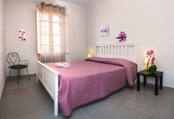 Nice Room in the  of Cagliari  - Cagliari - Apartament