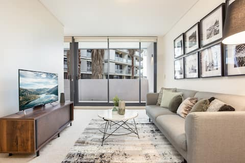 New Listing- Darling Harbour near King st Wharf