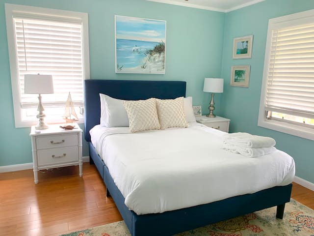 Queen bed in the second bedroom with brand new pillow top mattress