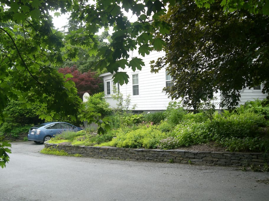 On a dead end street with five other houses