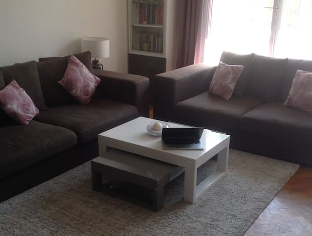 A wide 2 bedrooms flat for 1-year rent near Paris - Clichy - Apartemen
