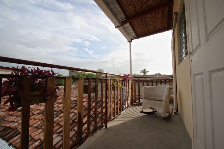 Leo's Guesthouse Panoramic View #2 - Grenade
