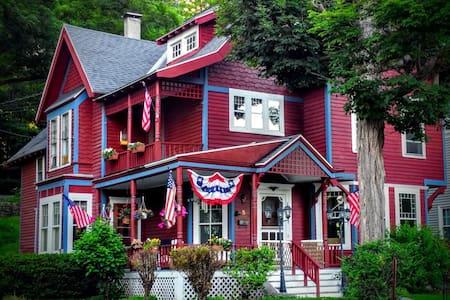 The Greene House Inn - Blue Room