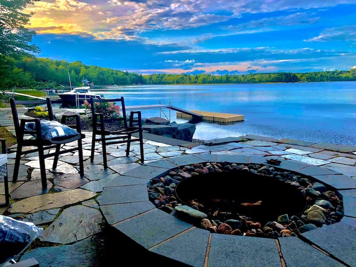HEAVENLY NATURE RETREAT -GYM-LAKE-BONFIRE-BBQ-YARD