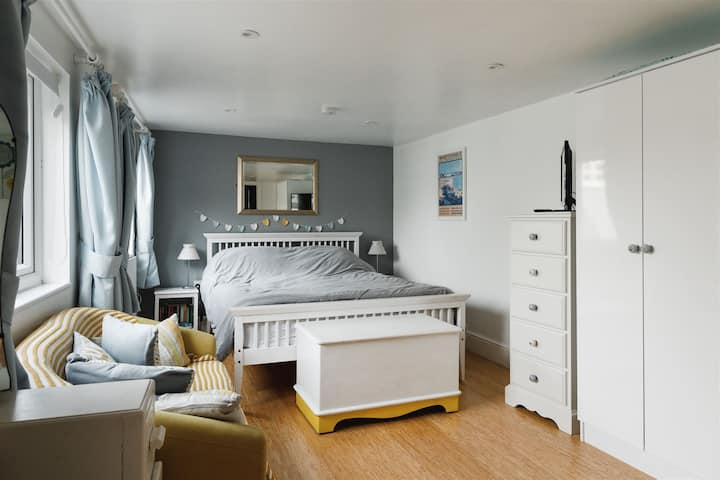 The Whitstable Pearl - studio holiday rental