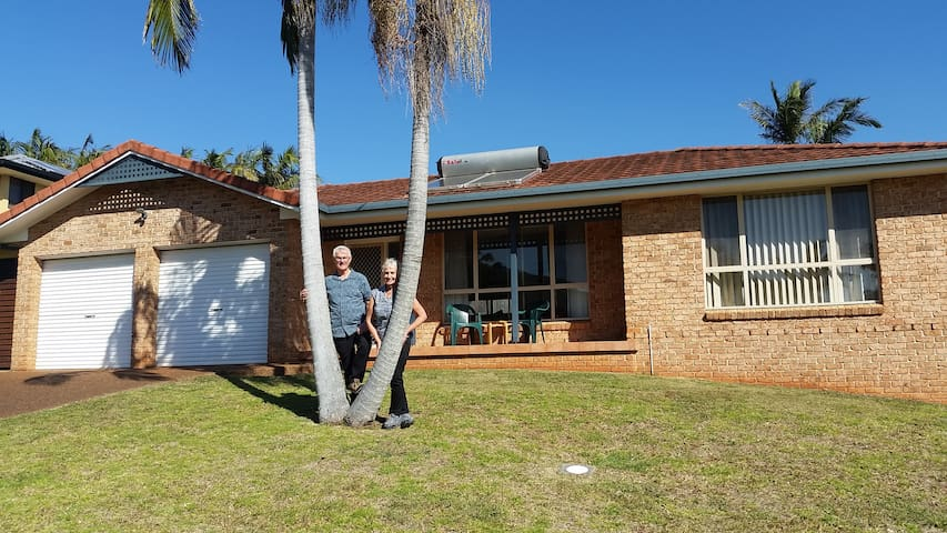 Twin Palms Holiday House at Lighthouse.