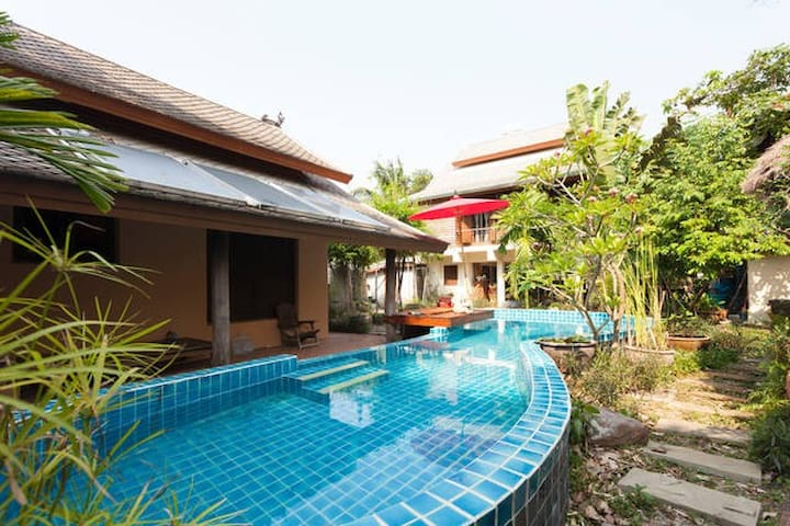 Lana Style Pool House - Chiang Mai - Casa