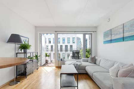 Modern apartment w/balcony by Oslo Central Station