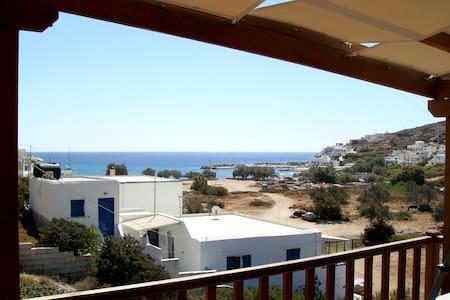 Family house w/terrace & sea views - Alopronia